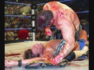 КРОВАВОЕ БЕЗУМИЕ! Подборка самых жестоких матчей WWE и TNA!