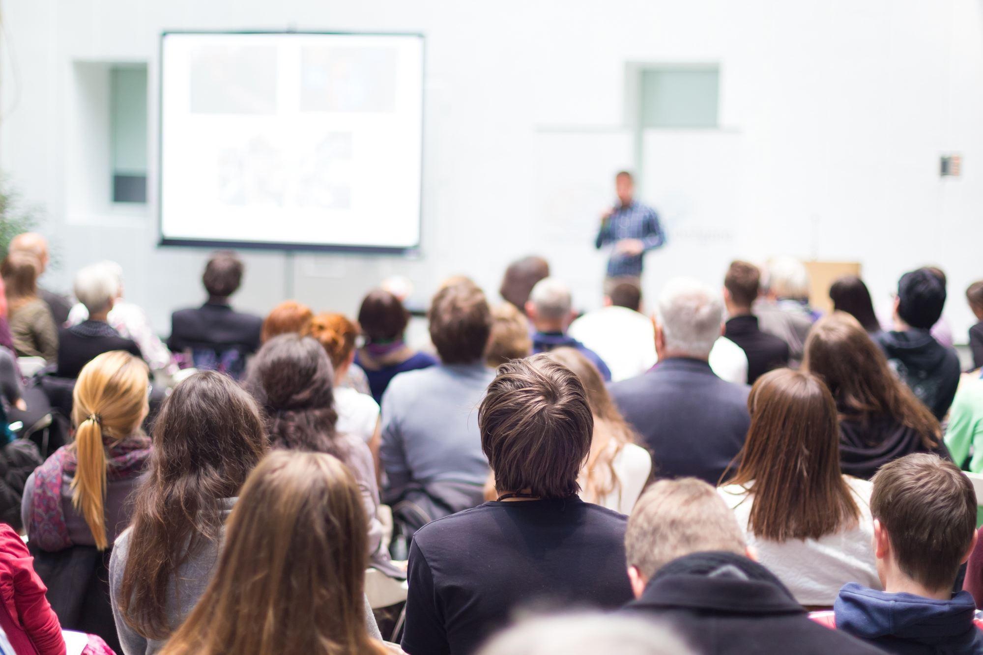 Почему высокомерные любят разные обучающие тренинги и курсы.