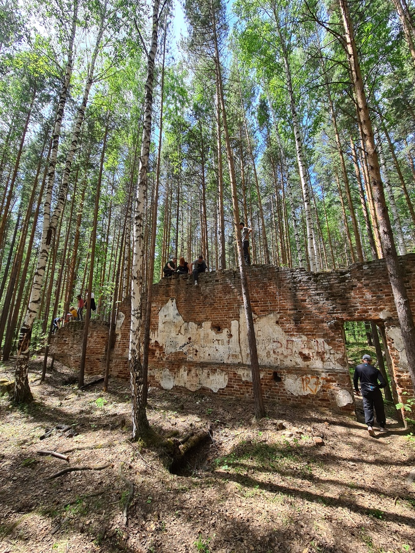 Патриоты выбирают УАЗы и суровые красоты Урала, изображение №16