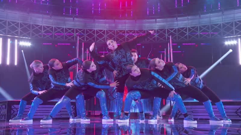 Oxygen Dances to Sail by Awolnation H2O Finals 2020