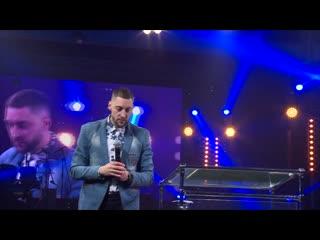 30 ноября 2019г/ежегодная конференция в сибирском христианском центре/ проповедует роман селянин