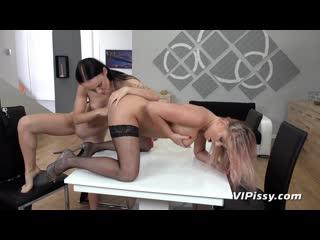 VIPissy Cayla And Sasha Sparrow