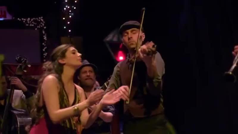 Tinta Roja Barcelona Gipsy Blkan Orchestra Amarisi