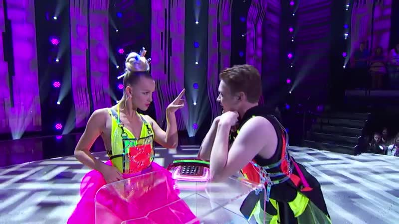 Sophie Pittman and Eddie Hoyt Perform to Sushi by Merk Kremont