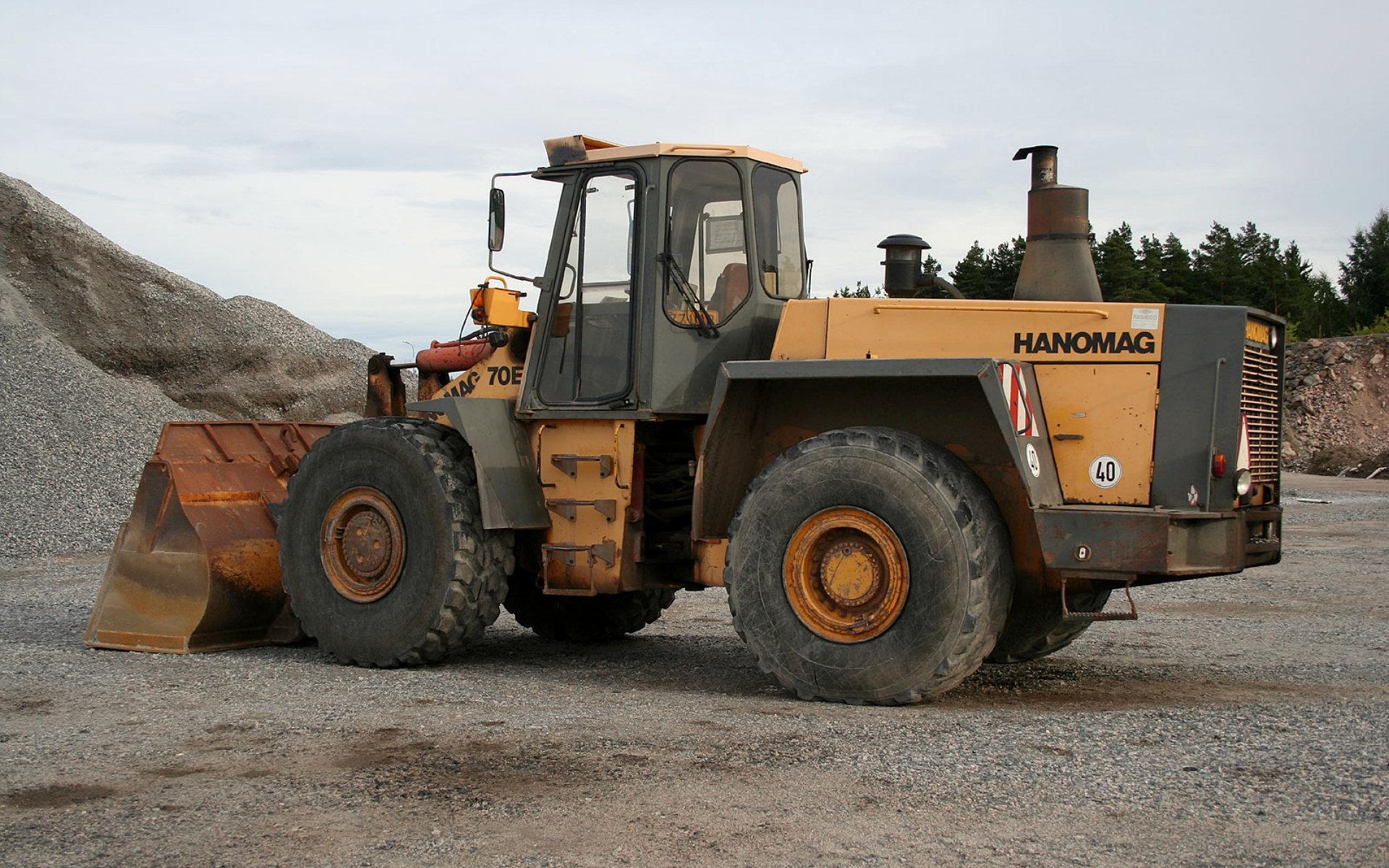 В деревне Глядово Жуковского района, частная организация, под видом строительства нагульных прудов самовольно осуществляла добычу полезных ископаемых с нарушением законодательства.