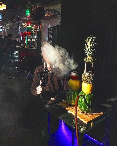 Фото в клубе с кальяном без лица
