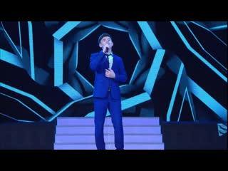 Красивая песня.Мощно поёт парень. Еще одна песня. одна из редких песен которые мне нравятся.  Линар БЕЛЫЙ