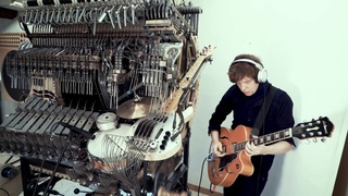 WinterGatan showing off the bass of the marble machine!