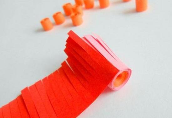 ПОДЕЛКА КО ДНЮ МАТЕРИ. КВИЛЛИНГ. Квиллинг искусство бумагокручения. Это отличное занятия для развития мелкой моторики. Предлагаем вам познакомится с мастер-классом по изготовлению объемных