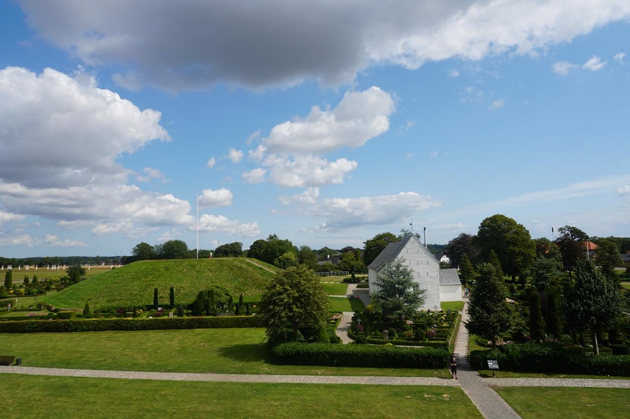 Еллинг - место откуда пошло Датское королевство
