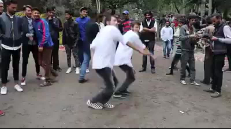 Twins_Best_ever_Dance_from_Gojal_Hunza__2018(240p).mp4