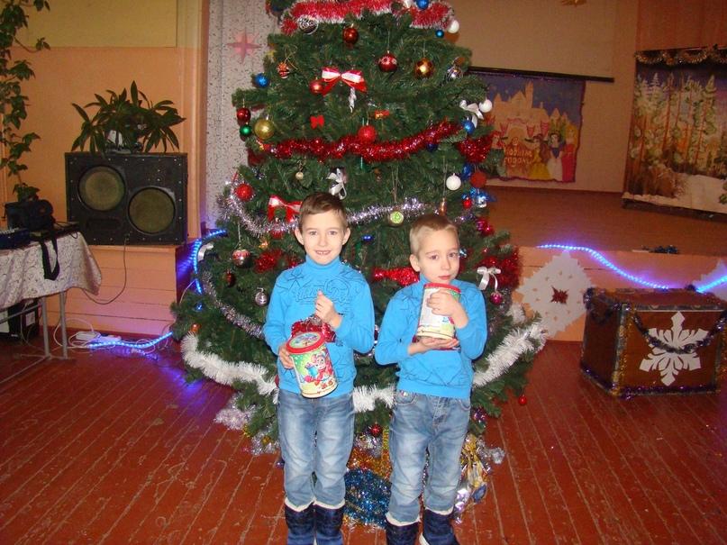 Новогодние подарки для детей прифронтовых территорий членов профсоюза образования от российских профсоюзов, изображение №5