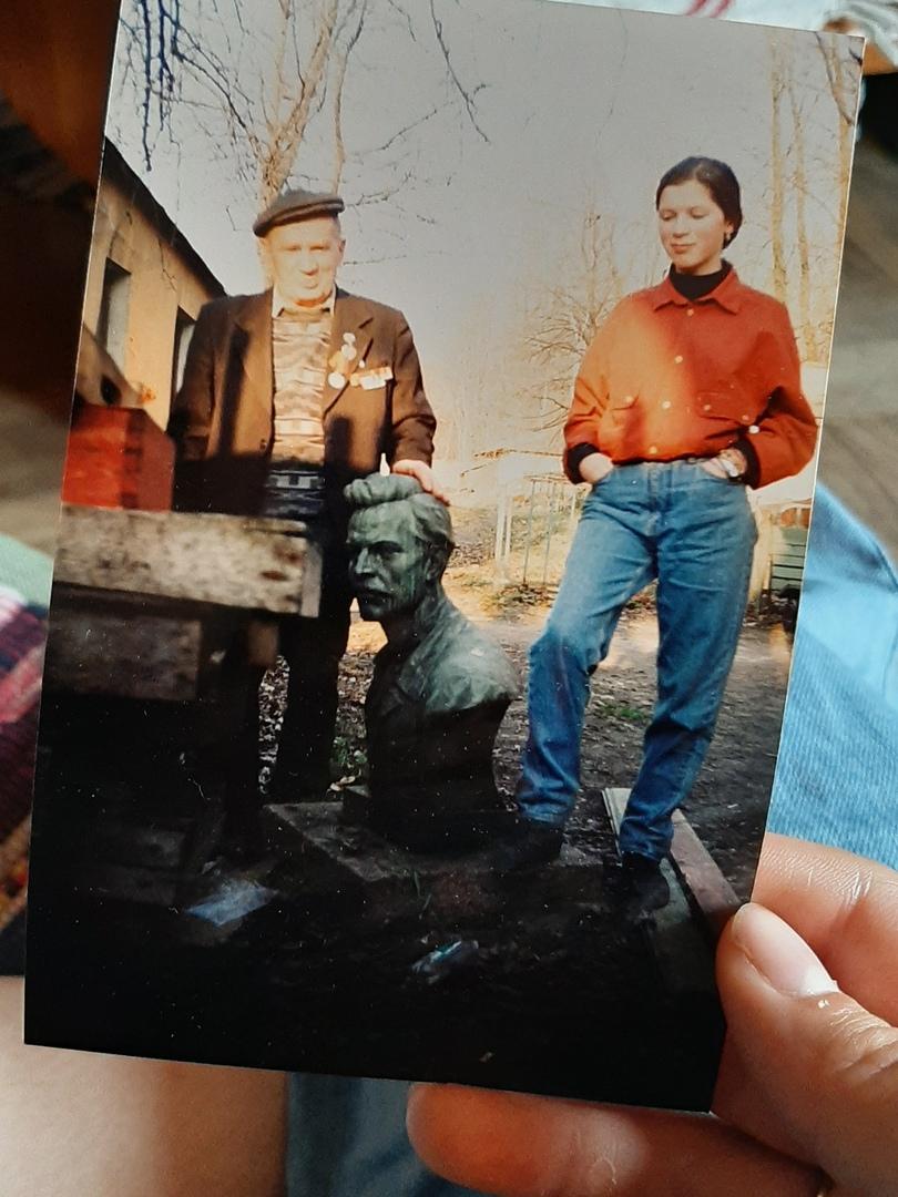 Парк им.Бабушкина. Апрель 1992 года. Семейный архив Натальи Гузей.