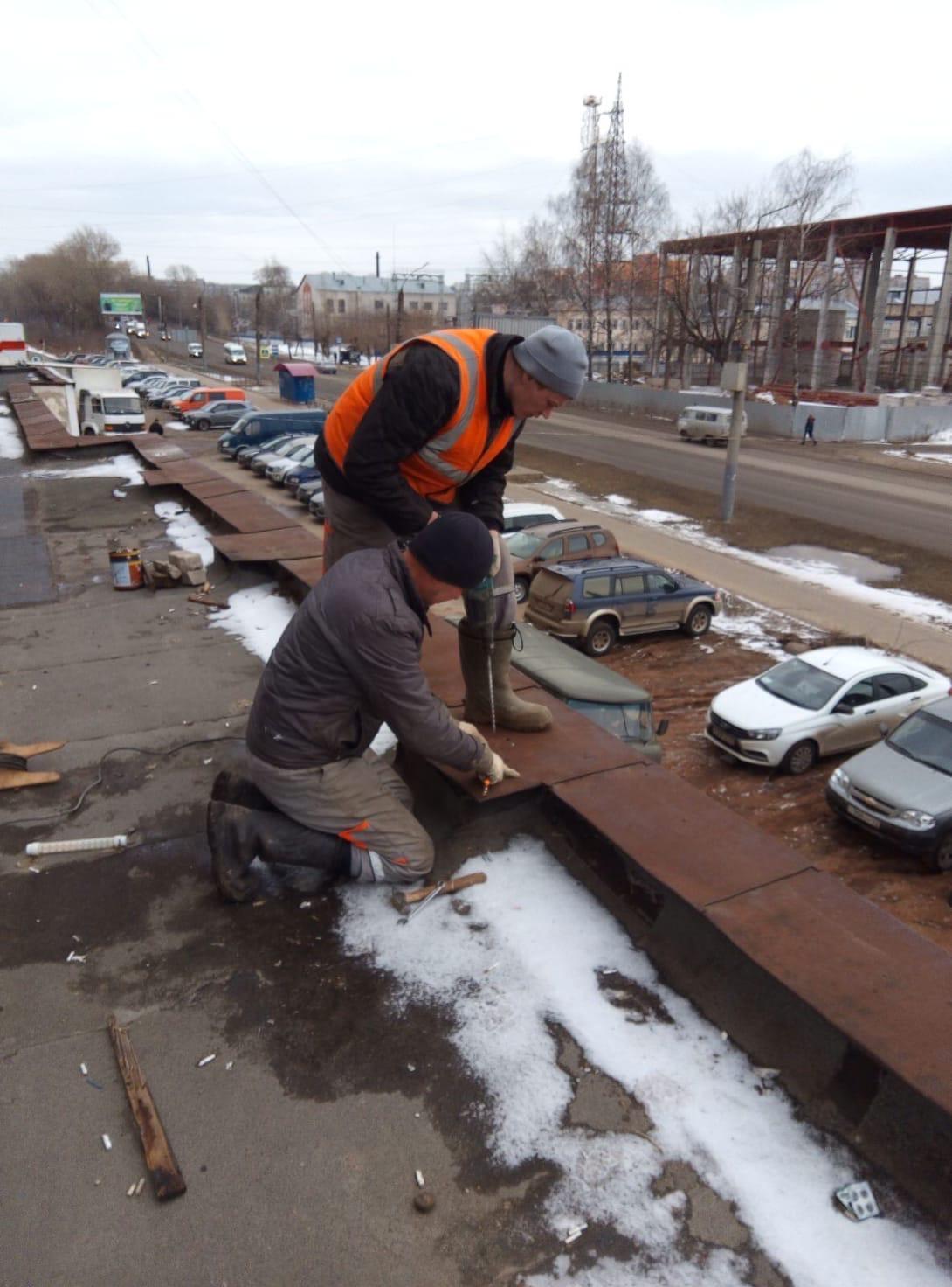 Улица Московская дом 103 закрепление паропета пристроя