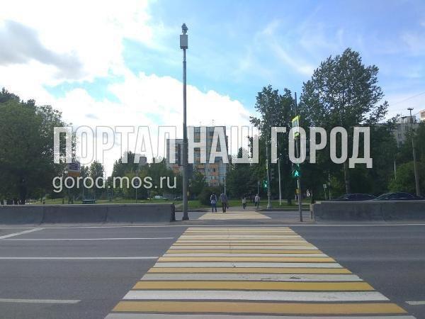 Дорожные службы починили светофор на Волгоградке