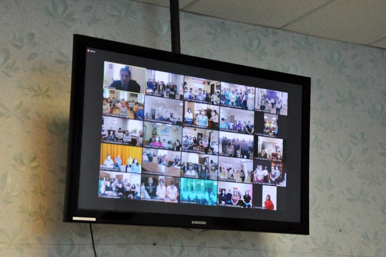Социальных работников из Рязанского поздравили с профессиональным праздником