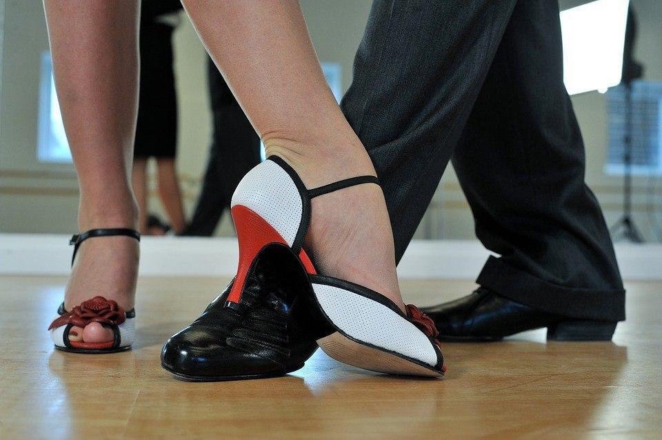 Культурный центр на Лермонтовском проспекте представит онлайн лекции и мастер-классы на тему танцев