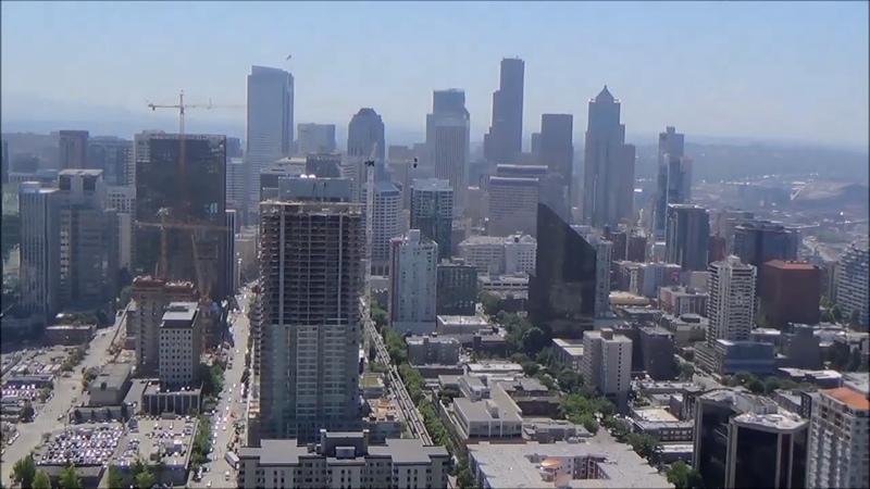 625 США Сиэтл Вид на город с Монорельса и башни Космическая Игла