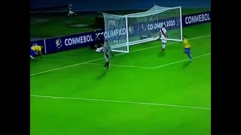 Assistência MARAVILHOSA do Bruno Guimarães e gol do Paulinho no final da primeira etapa Br