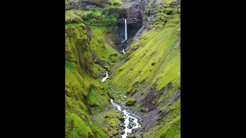 One of the most beautiful canyon in Iceland 💚