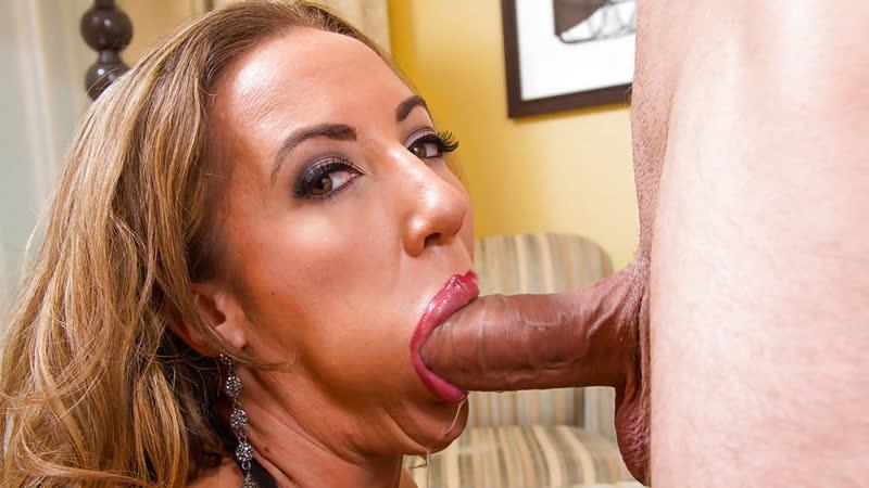 Richelle Ryan Soaps Up With Friends Husband Gonzo Blowjob Cowgirl Большие Сиськи Big Tits