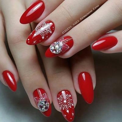 Дизайн с блестками на нарощенных ногтях пошагово