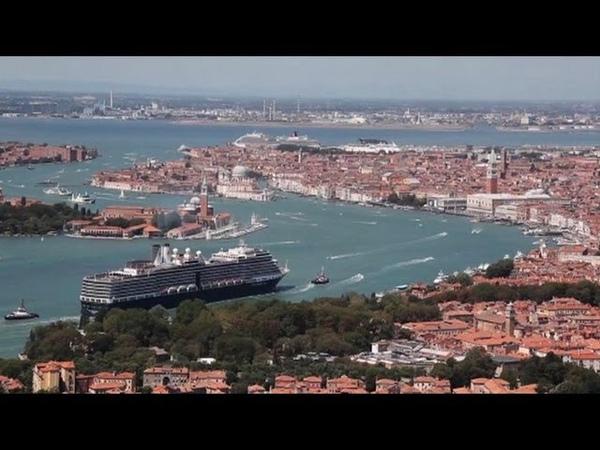 A Venise, polémique sur la présence des géants des mers dans la lagune