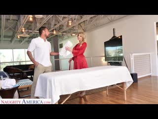 Naughty America - Sophia Deluxe Needs Cock on the Massage Table