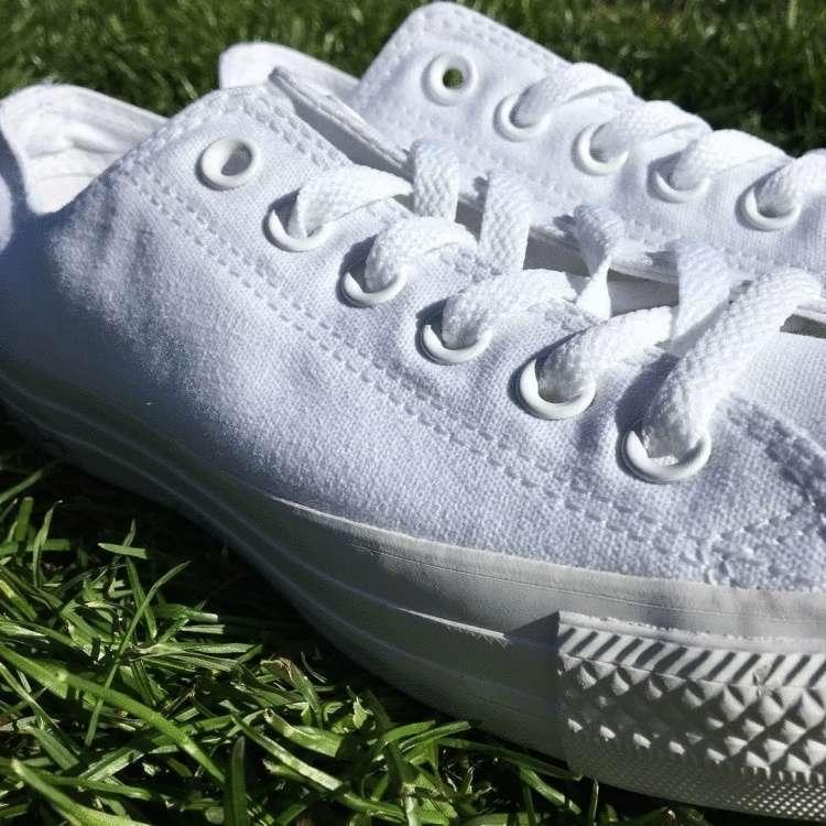 Как мыть белые кроссовки, белую обувь, чтобы были как новые