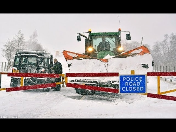 Ексклюзив трактор JCB, Lamborghini, John Deere, Deutz, Case, Claas уберает снег