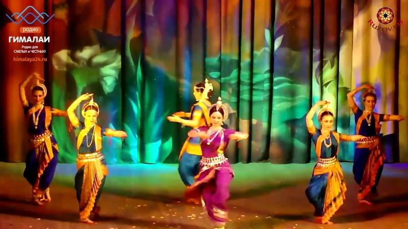 Почему в Индии так много танцующих женщин