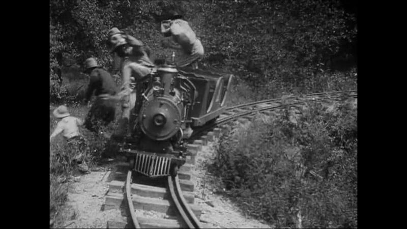 Маленькое ограбление поезда 12 минутный фильм 1905 года являлся своеобразным пародийным сиквелом к Великому ограблению поезда