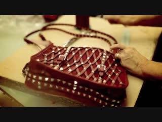 Удивительный процесс создания сумки  Valentino.