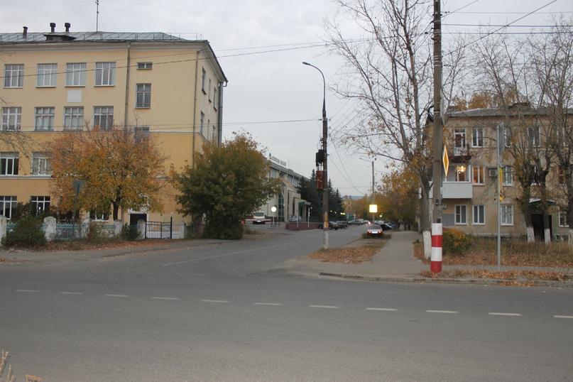 Улица Бутлерова берет свое начало от улицы Гагарина