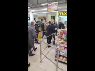 Серьезная драка в торговом центре Ярославля