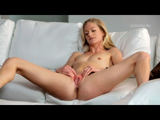 Интенсивный оргазм гимнастки Беллы / Intense Orgasm Of Gymnast Bella (2010)