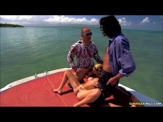 VideoSunriseking - 01,10,10 Chloe Delaure
