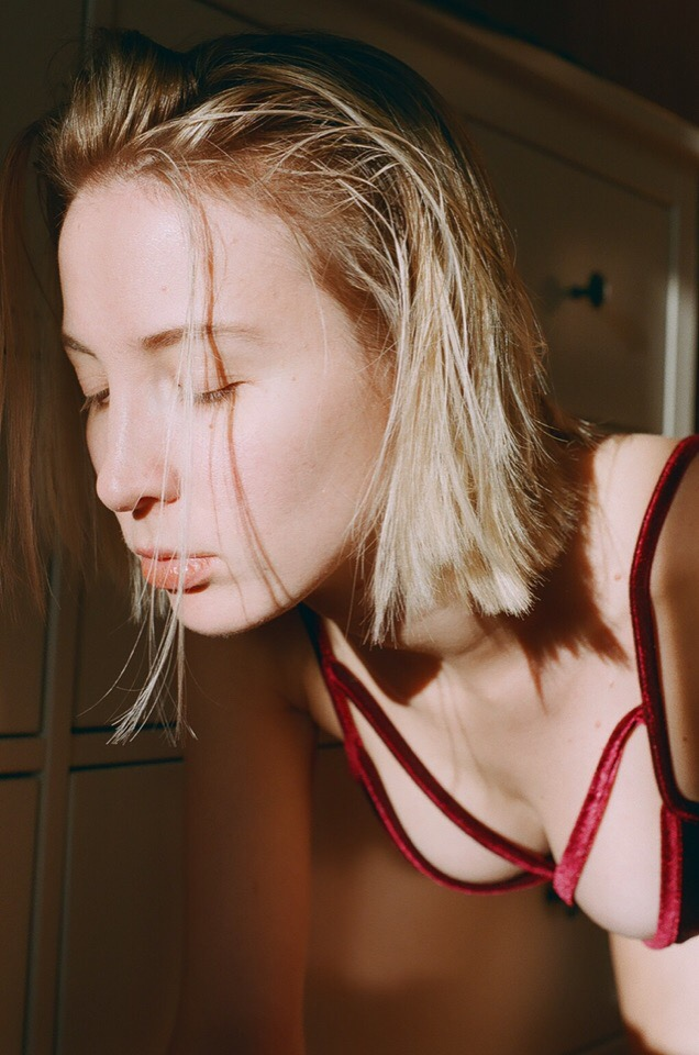 https://www.youngfolks.ru/pub/model-natashafava-photograph-kropachevayuliya