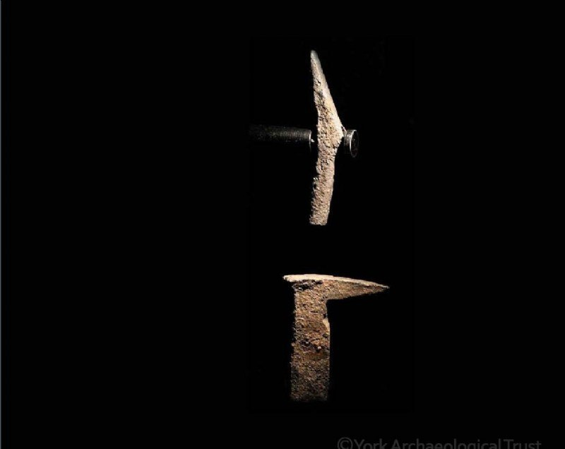 Молот и наковальня.