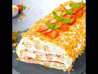 Нежный торт Полено из хрустящего слоеного теста с кремом (Ингредиенты под видео)   Больше рецептов в группе Шеф кондитер