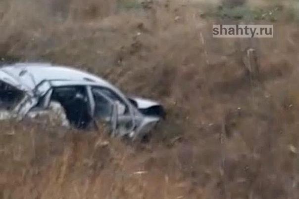 В ДТП под Шахтами погиб 25-летний парень, вылетев ...