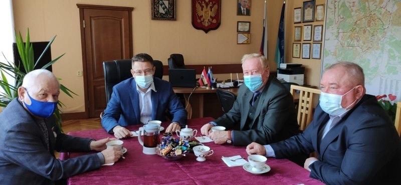 ???? Глава Центрального округа Курска Олег Лемтюгов пил чай в маске   Глава Центрального округа Курска... [читать продолжение]