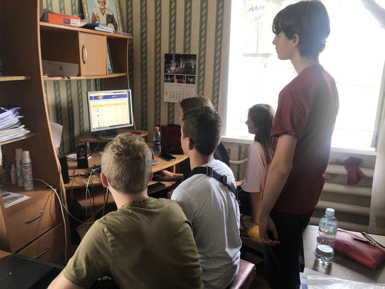 Команда волонтёров из Петровска стала призёром региональной интернет-викторины
