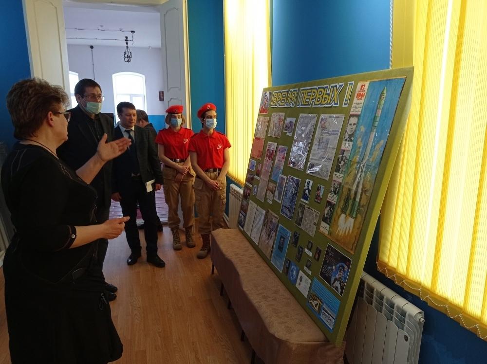 В музейном комплексе Петровска открылась стационарная выставка «Время первых»