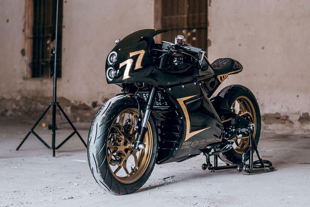 Glanets MC: кастом Yamaha XSR155