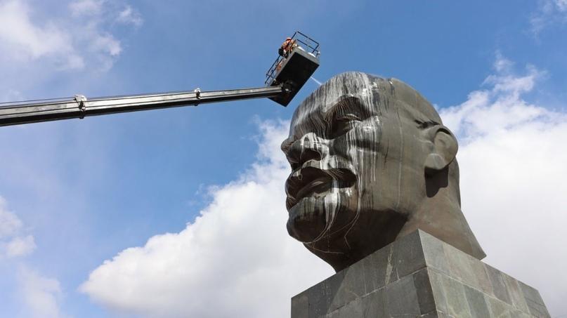 Вэтом году памятник отмечает полувековой юбилей. Комбинат поблагоустройству на...