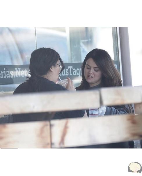 «Ее просто не узнать»: фанаты раскритиковали Селену Гомес за лишний вес