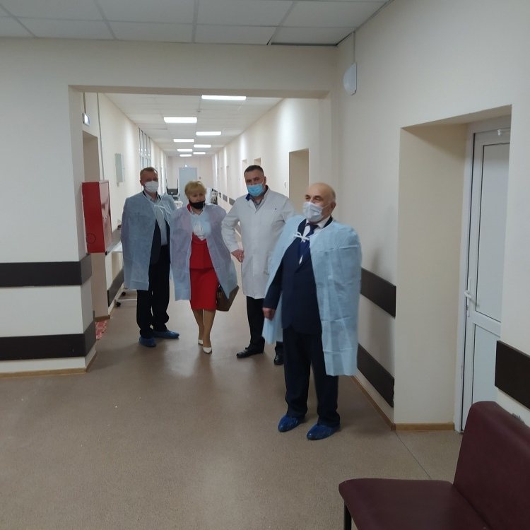Глава района Николай Жилин проинспектировал райбольницу после капремонта