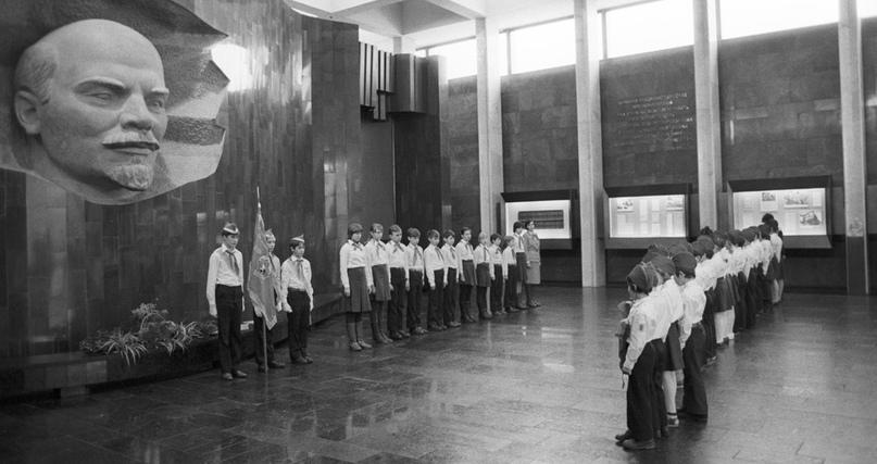 Про ностальгию по советским временам.