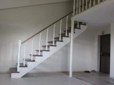 Деревянная лестница в дом купить Иркутск